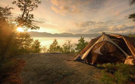 Camping-Near-The-Lake-Background-Wallpaper.jpg
